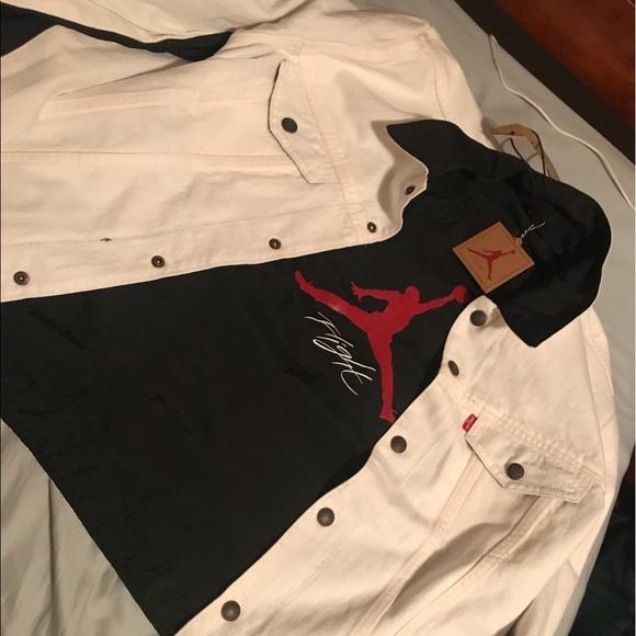 f14536586ac7c4 Air Jordan x Levis trucker jacket   white  size M. NWT. Levi s.  M 5b55143210fc544a28815618. M 5b551434e9ec895cf2b41fad.  M 5b551435b6a94218b43edc4e